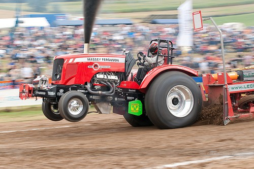 tractor-pulling