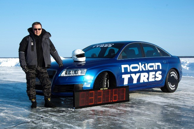 Nokian-Tyres-ice-speed-record-with-an-Audi-RS6-Janne-Laitinen-3