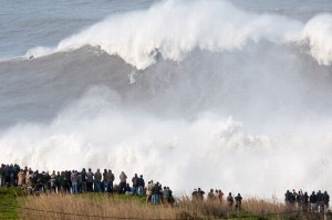 Andrew-Cotton-Surfs-Monster-Wave-In-Portugal-3107973-2