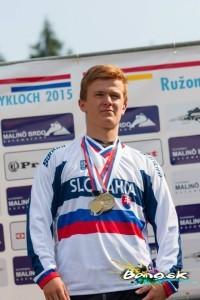 Jozef Ondič MAJSTER SR v ELITE bang downhill team 2015 ba