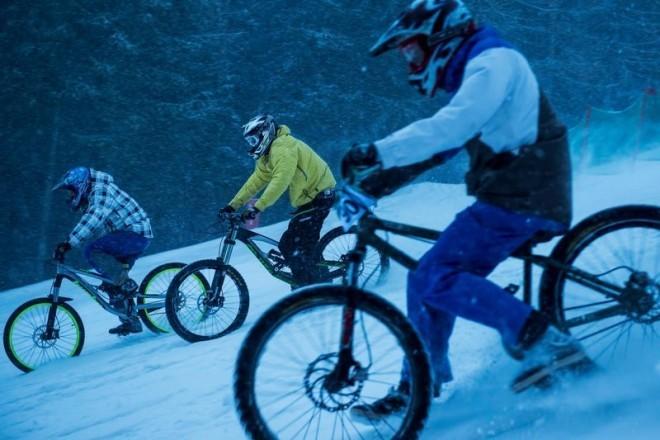 chinese-downhill-hromadný-sjezd-na-kolech-foto-kasl-report-špindl-20.-6